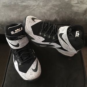 Nike Zoom Soldier VIII Flyease Black-Wolf Grey